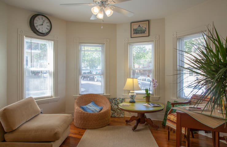 Comfortable, well located double - Somerville - Apartemen