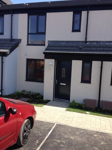 Modern 3 bedroom,  terraced home.
