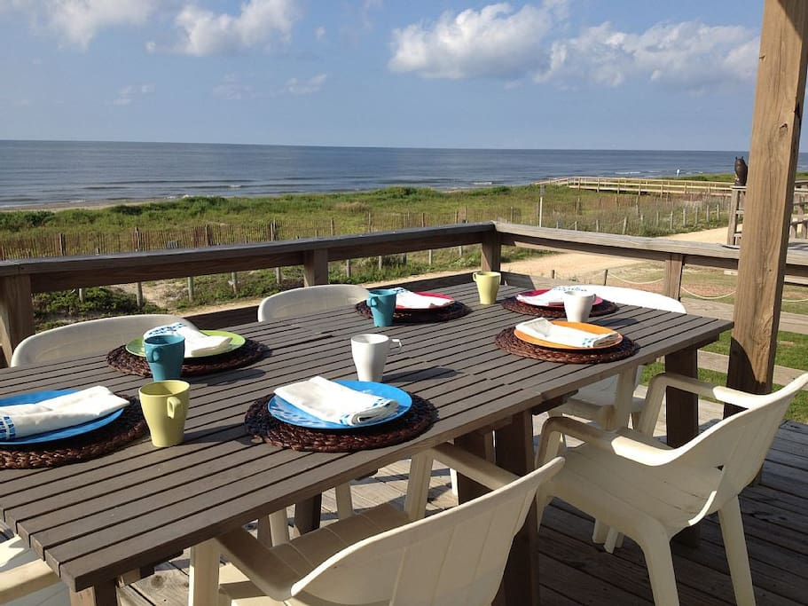 Enjoy dinner on the deck- Seating for 6 or more