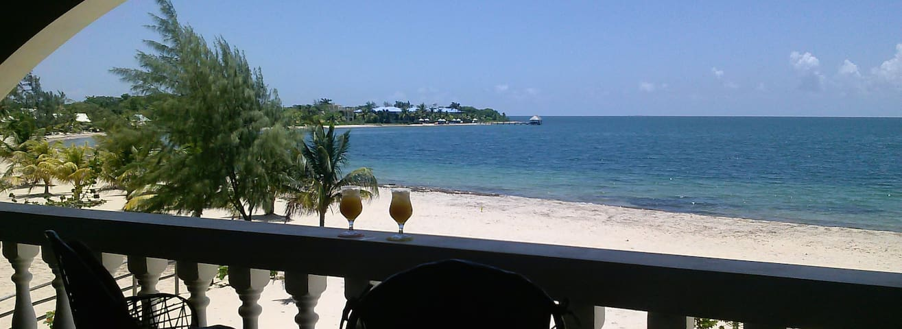The White House in Placencia - Placencia