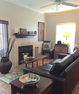Cozy 1 bedroom close to everything - Austin