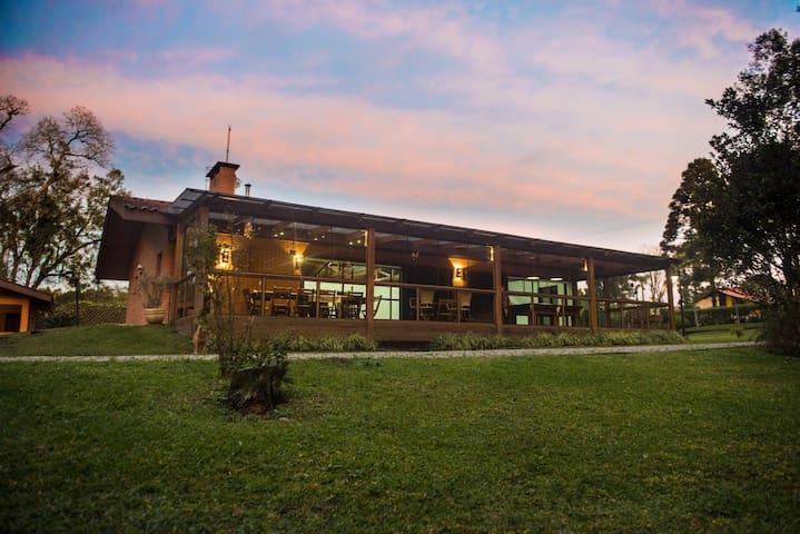 Casa de campo em condominio fechado - São José dos Pinhais - Cabin