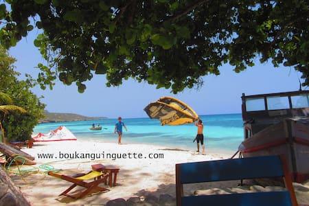 Boukan Guinguette Kitesurf Bungalow - Mole Saint-Nicolas - 土房
