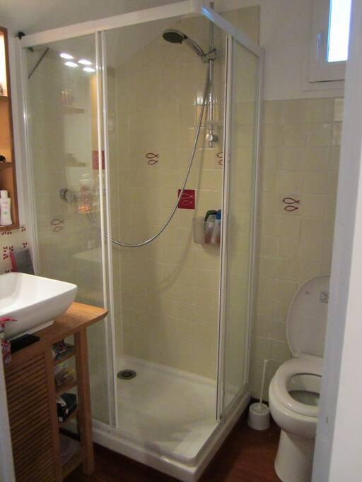 Salle de bain personnelle indépendante