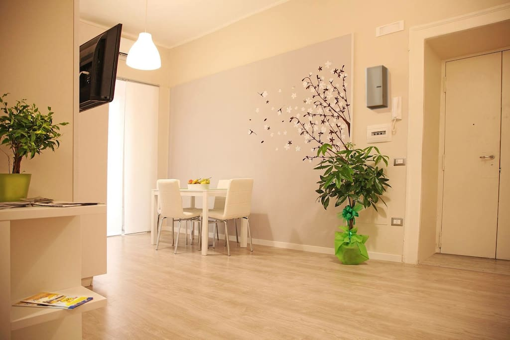 Le piazze di napoli vacation home appartamenti in for Airbnb napoli