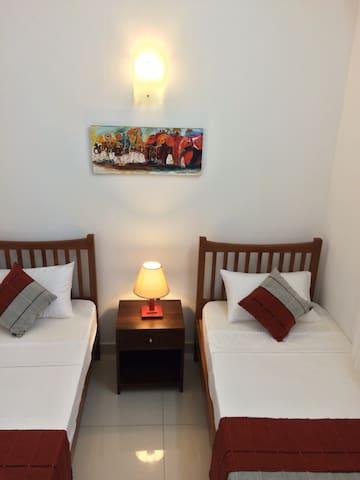 Cinco 5, Amazing sea view apartment - Dehiwala-Mount Lavinia - Appartement