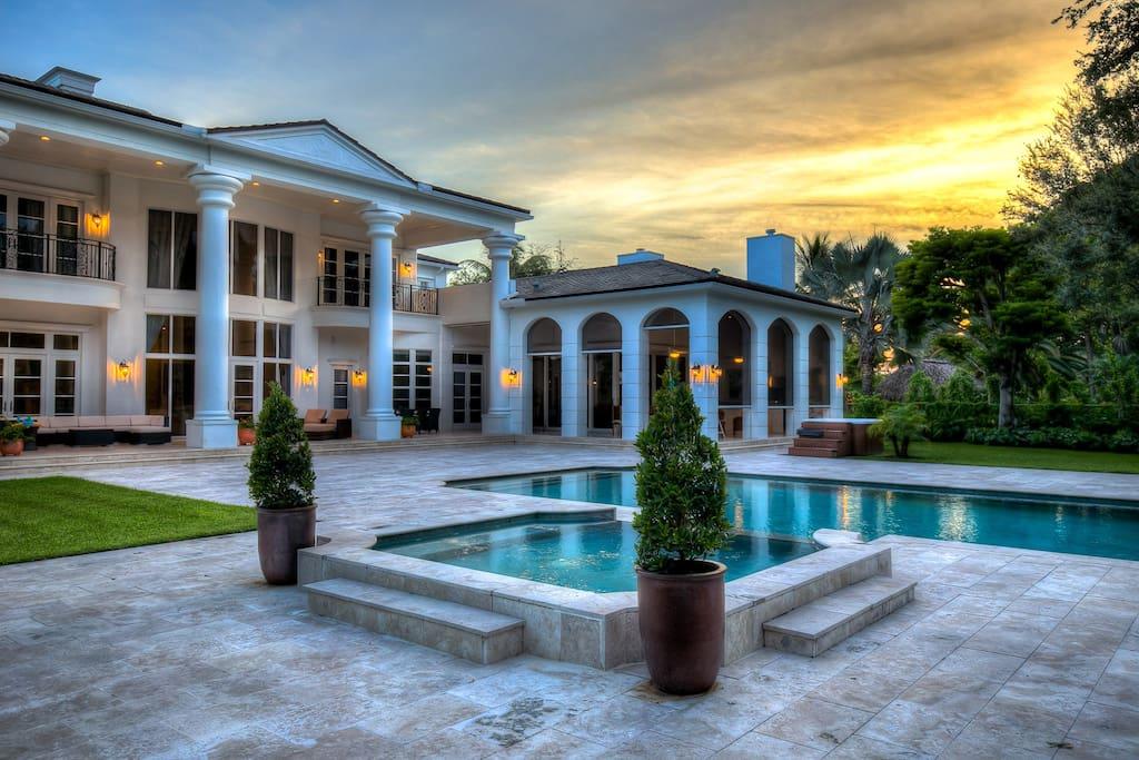 Al Capone Style Luxury Villa Houses For Rent In Miami