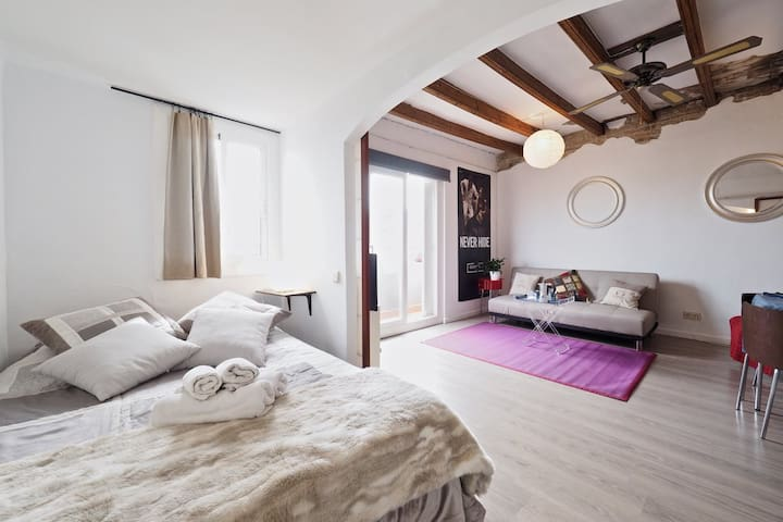 BARCELONA | COSY ATTIC WITH VIEWS  | POBLE SEC ¤