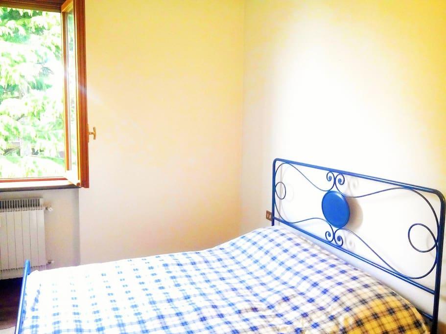 Prima camera (letto matrimoniale)