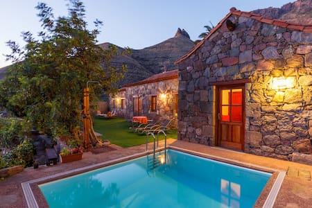 CASA TAMADABA - piscina privada - las palmas - Σπίτι