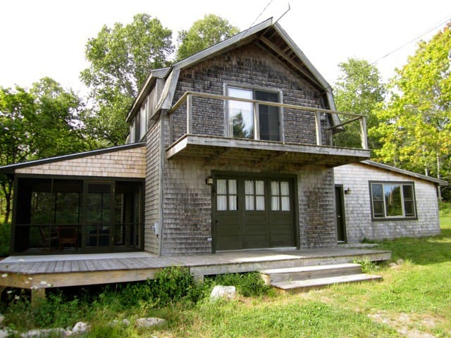 summer cottage on a maine island - Cranberry Isles - Casa