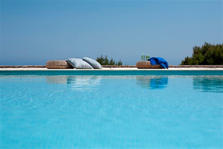 Viewing the Aegean Sea-Pool-Garden-Vravrona