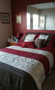Burgundy Room Bed and Breakfast near Austin, TX - Cedar Park