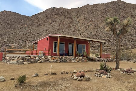 Romantic hide-a-way for two. See our reviews. - Joshua Tree