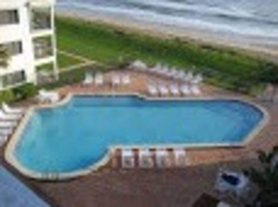 Gorgeous seasonally heated pool