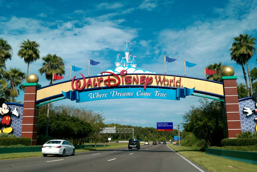Only a short 15 minute drive to Disney maingate