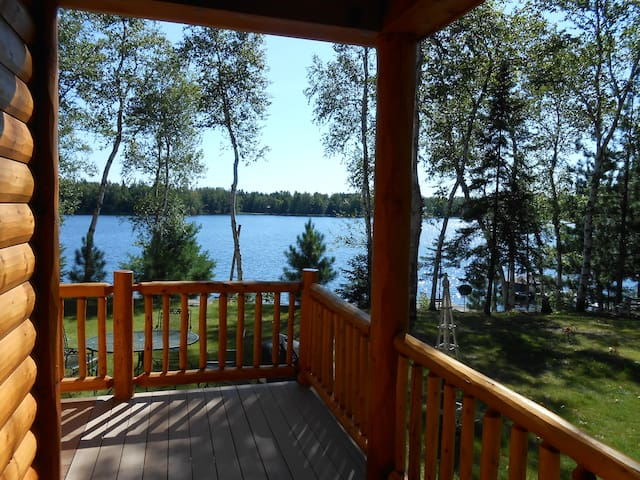 Beautiful Log Cabin on Private Lake - Park Falls