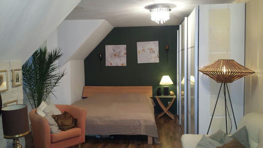 Modernes Gästezimmer in Saarbrücken - Talstraße  - Dom