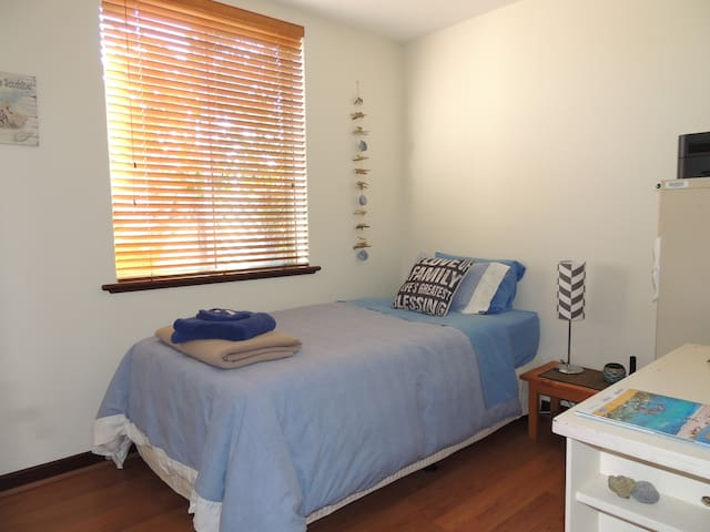 Cosy unit close to Mt Lawley cafes - Mount Lawley