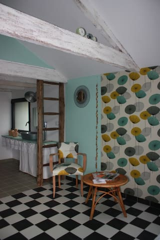 "Chambre Formica aux notes ""60"" - La Grigonnais - Bed & Breakfast"