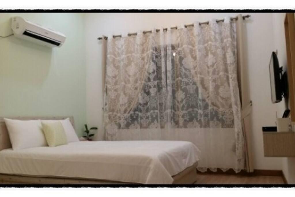 별하나룸 - 깨끗하고 편히 쉴수있는 아늑한 퀸침대와 호텔식침구가 여행의 피로를 풀어드릴꺼예요.