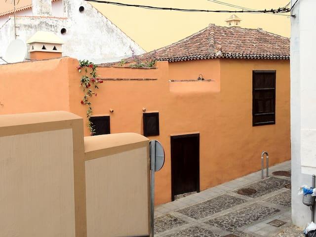 CASA MONTAÑEZ, casa antigua canaria - Santa Cruz de la Palma - Rumah
