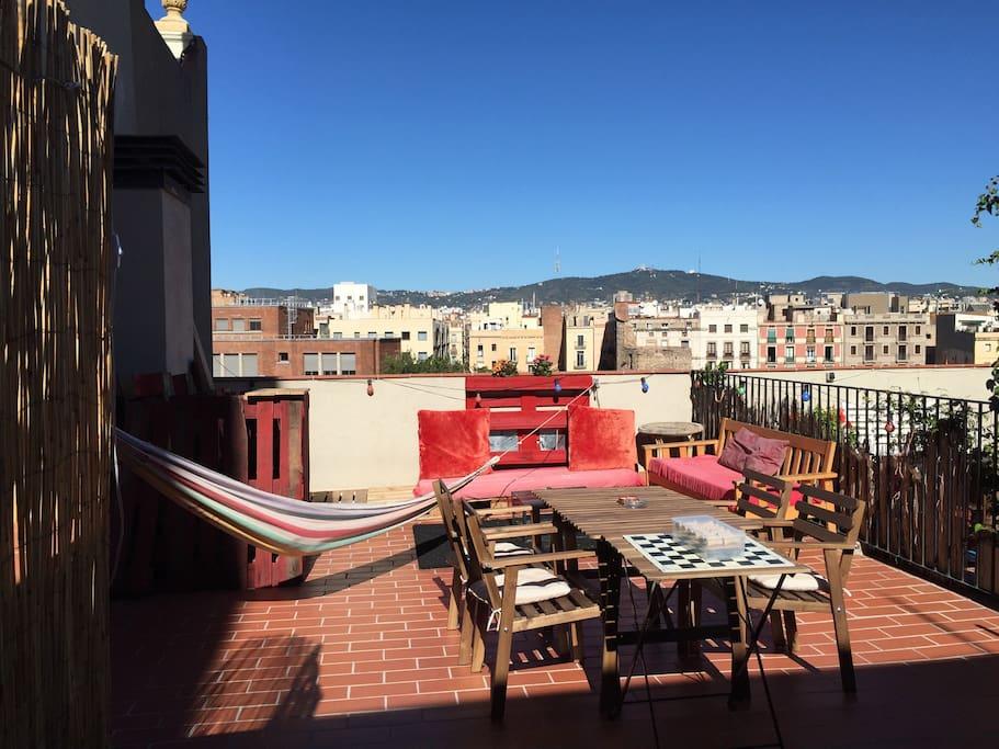 Penthouse avec terrasse dans le centre ville for Appartement a louer a barcelone avec piscine