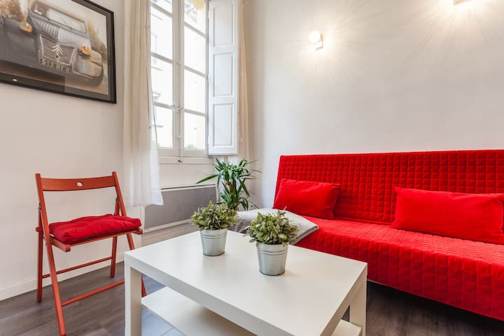 LOVELY 1 BEDROOM FLAT WIFI AC OLD CITYCENTER
