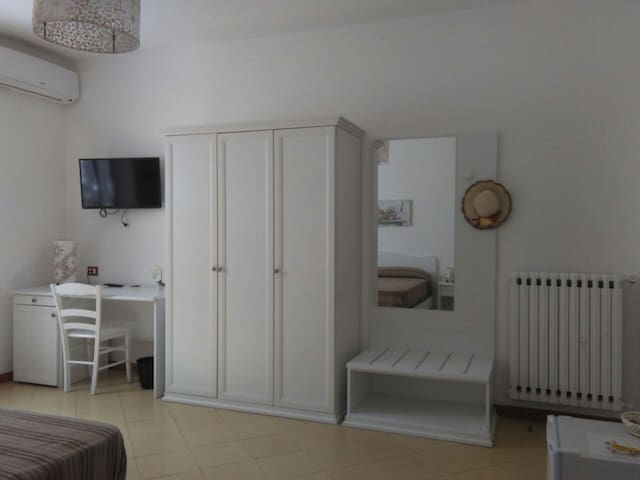 Triple bedroom in Sorrento Coast - Sant'Agnello - Bed & Breakfast