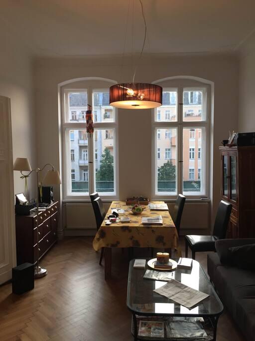 Entspannen und Essen mit Blick auf Berlin