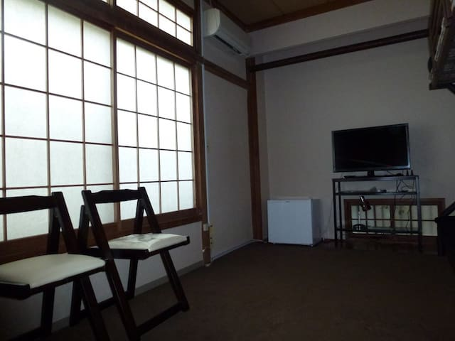 Room in guesthouse  in onsen resort 1.1 - Yonago - Aamiaismajoitus