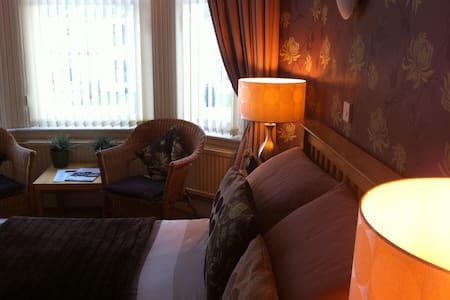 Twin/Double/family En-Suite room - Ayr