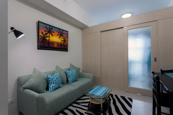 Fully Furnished 1BR Condo in Makati