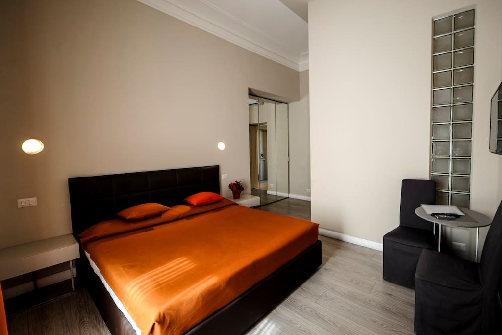 The roman empire luxury double room appart 39 h tels for Appart hotel pas cher rome