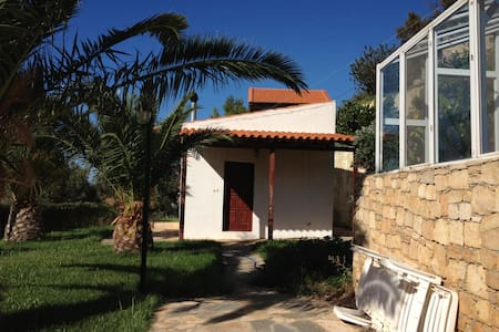 house with swimming pool, fireplace - Heraklion - Haus