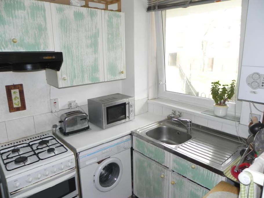 Fully furnished, several appliances available