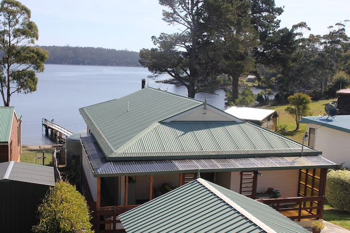 Waterfront home with private jetty - Charlotte Cove - Huis