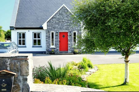 The Lakes Wellness B&B Partry, Mayo - Partry - Bed & Breakfast
