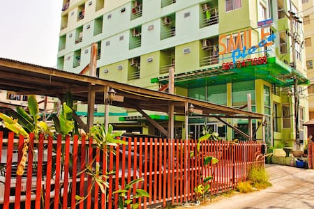 Smile Place & Resident Apartment - Amphoe Mueang Chon Buri - Huoneisto