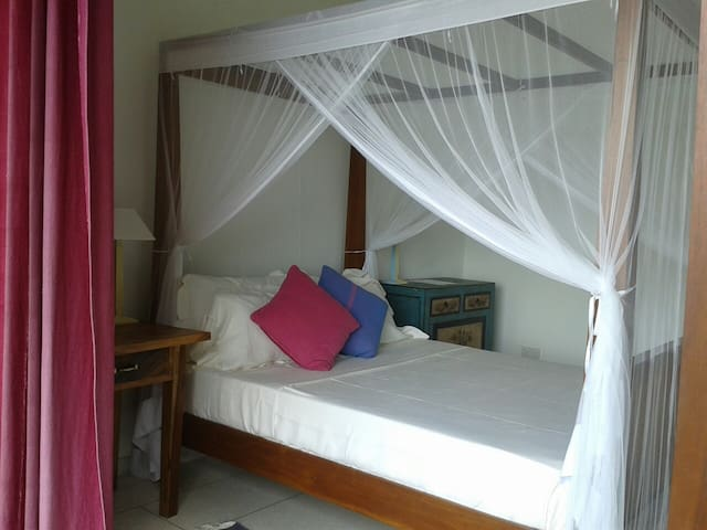 Lovely Koggala Lake view! Double bedroom. - Koggala