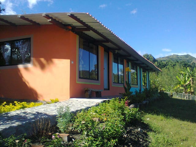 CASAS DE ARRIENDO EN VILCABAMBA - TAXICHE - Vilcabamba - House