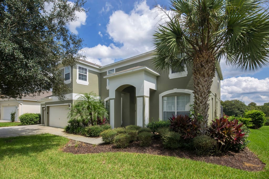 This superb 7 bedroom estate home on the Emerald Island resort is the perfect base for your family's next Disney vacation in Orlando, Florida.