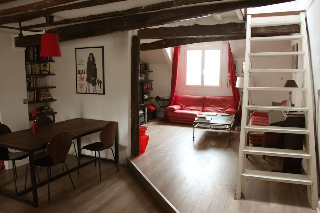 Living room - 400ft²