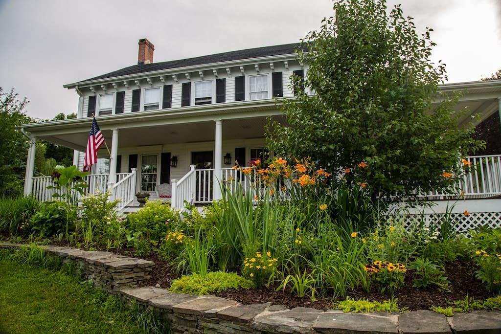 Glenwood farmhouse bed breakfast pernottamento e for Pernottamento new york