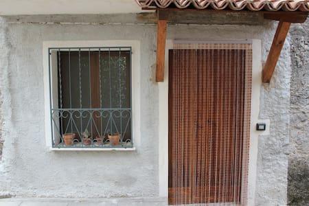 Appartamento economico e funzionale - Caselle In Pittari - Lejlighed