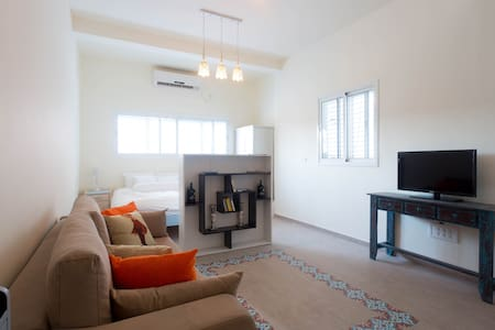 Gorgeous Apt Close To Beach,Old Jaffa, Tel Aviv! - 特拉維夫-雅法