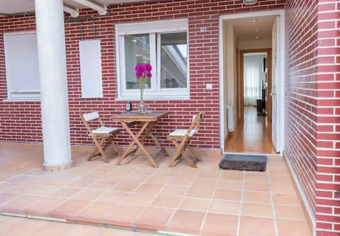 Apartment with private patio. Ideal for families
