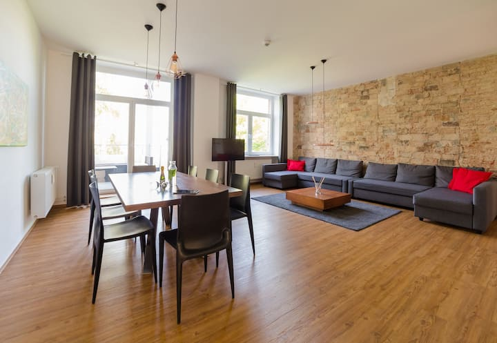 Design Apartment (85sqm) with 2 Bedrooms & Terrace