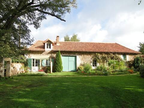 Green Lodge - gite atypique au coeur du Périgord