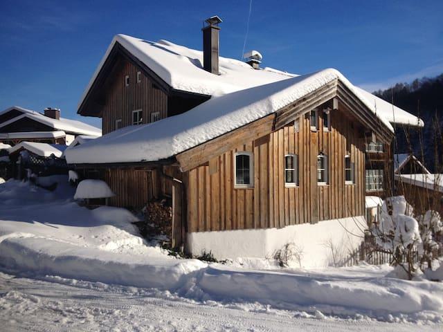 Holzhaus, 1-2 Zimmer im grünen Tal - Teisendorf / Achthal  - Dům